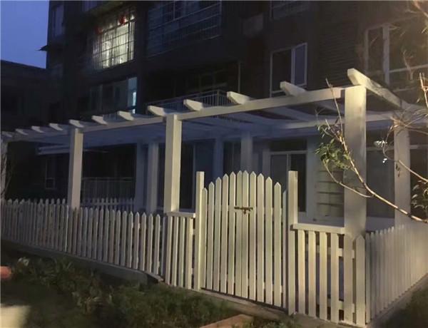 绵阳防腐木栅栏工程案例