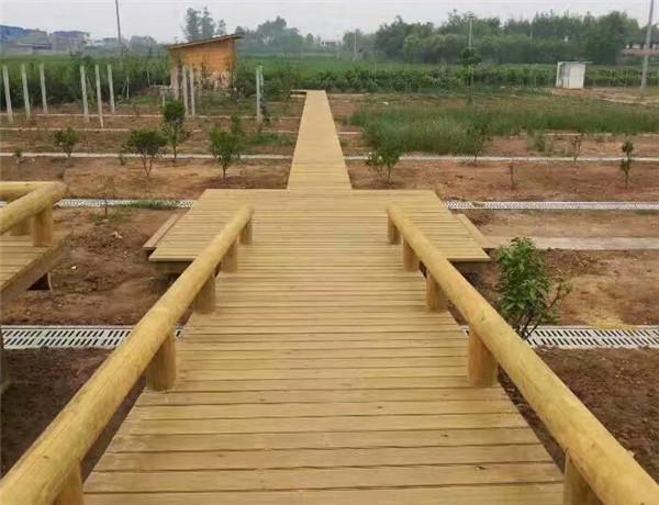 四川防腐木棧道工程案例