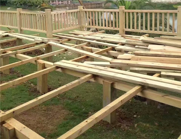 成都防腐木棧道工程案例