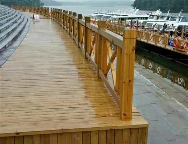 成都防腐木地板工程案例