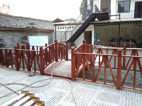 成都防腐木柵欄工程案例