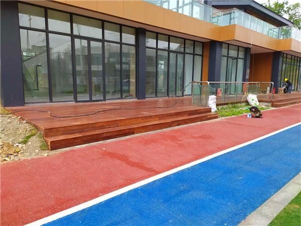 成都防腐木地板工程施工成功案例