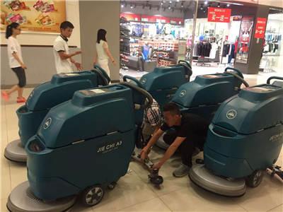 陝西掃地機在大型商場中投入使用