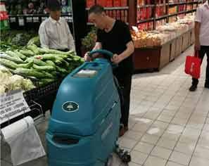 陝西掃地機在龍湖星悅薈投入使用