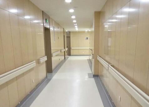 對比西安塑膠地板與各種木地板之間的不同